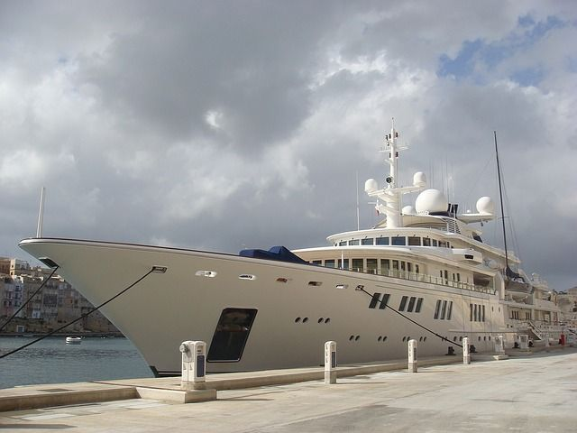 Akhmedova v Akhmedov: Superyacht freed from Dubai port featured image