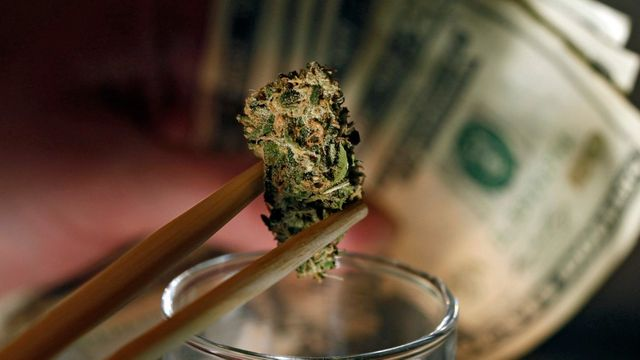 U.S. Banks start to offer pot entrepreneurs bank accounts featured image
