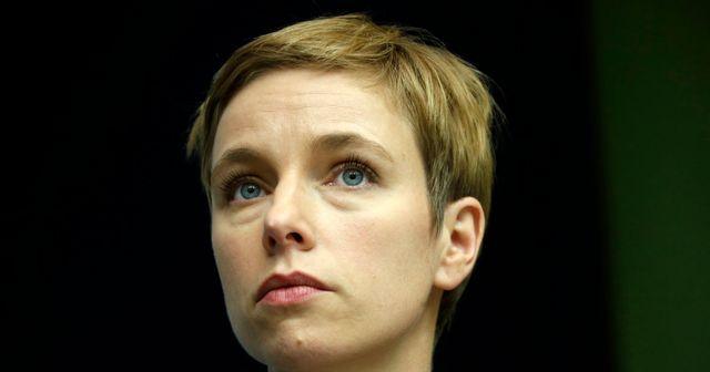 Clémentine Autain veut que l'Assemblée se penche sur la garde des enfants de députés featured image