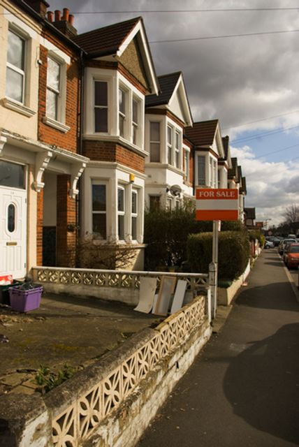Speeding up the moving process: could conveyancing get quicker? featured image