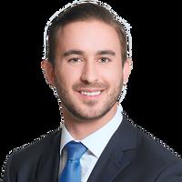 Justin Simeone, Associate in Disputes Practice Group, Freshfields Bruckhaus Deringer US LLP