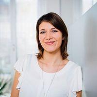 Jennifer van der Wals, PR Consultant, Hotwire