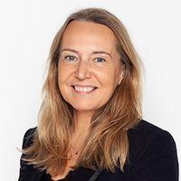 Silvia Angos, Freshfields Bruckhaus Deringer