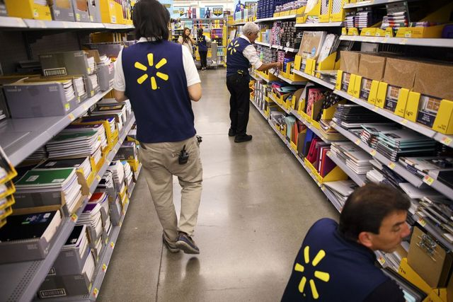 Walmart's Fintech Partner Helps Break Paycheck-to-Paycheck Cycle featured image