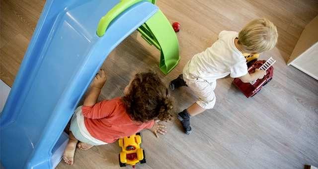 Les enfants défavorisés ne vont pas assez en crèche featured image