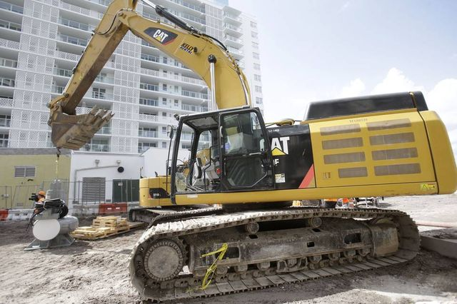Startup Matches Heavy Equipment Owners and Renters and Organizes Insurance Cover featured image