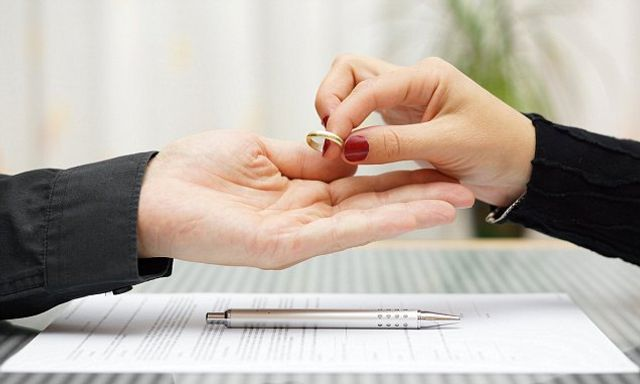 Would your parents' divorce affect your own? featured image