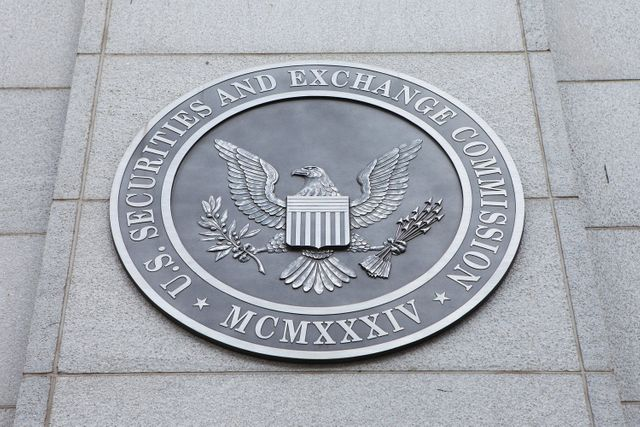 SEC, CFTC charge Bitcoin Futures firm 1Broker with Securities Law violation featured image