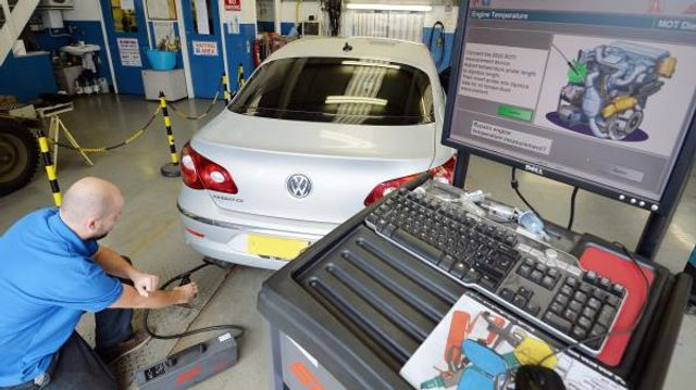MOT system overhaul due to number of unsafe cars on the road featured image