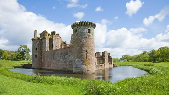 Moats:  Obsolete medieval fortification, or more relevant than ever? featured image