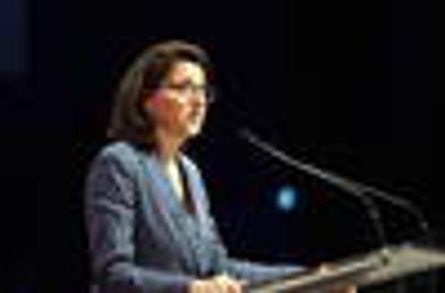 La ministre Agnès Buzyn à l'écoute des familles featured image