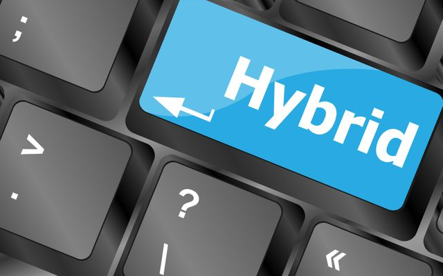 Six steps towards a hybrid data center model featured image