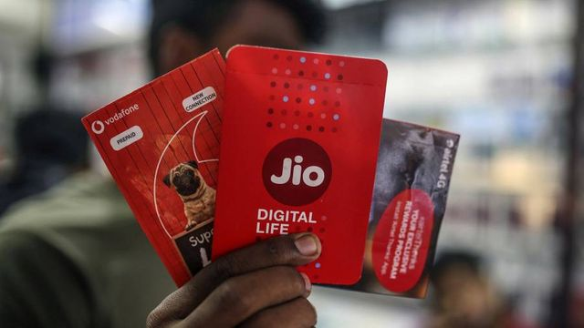 Facebook invests $5.7b in Indias Reliance JIO featured image