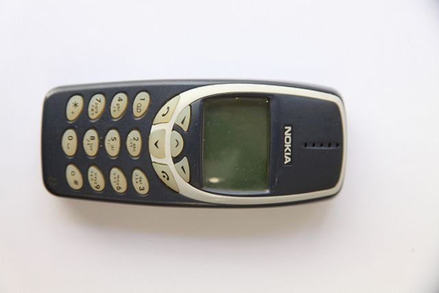 The nineties really are back! Behold the return of Nokia 3310... and some Guns and Roses... featured image