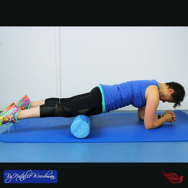 3 leg foam roller stretches that will enhance your stretching regime featured image