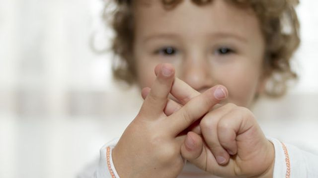 Des crèches moins bruyantes avec le langage des signes featured image