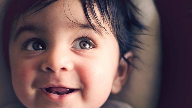 Comment se fait l'acquisition du langage chez le bébé ? featured image