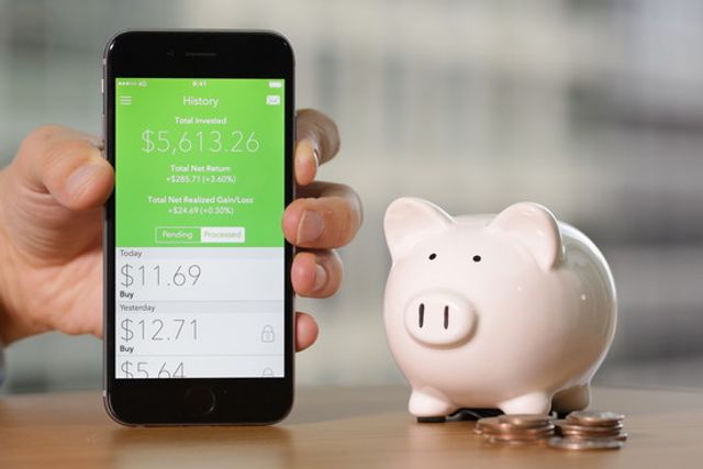 These Apps Can Finally Get You to Save Money featured image