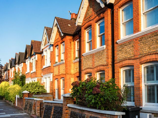 UK Housing Market buoyed by Buy-To-Let loan Increases; Price expectations rise featured image