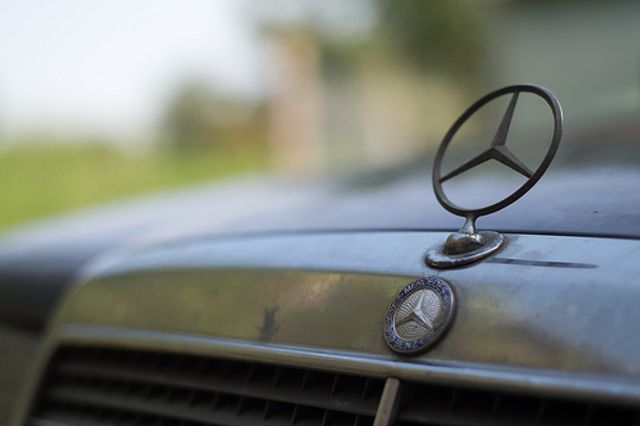 Amazon accused of selling counterfeit Mercedes products featured image
