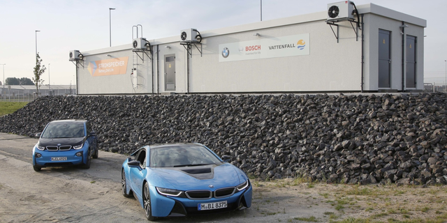 BMW and Bosch open new 2.8 MWh energy storage facility built from batteries from over 100 electric c featured image