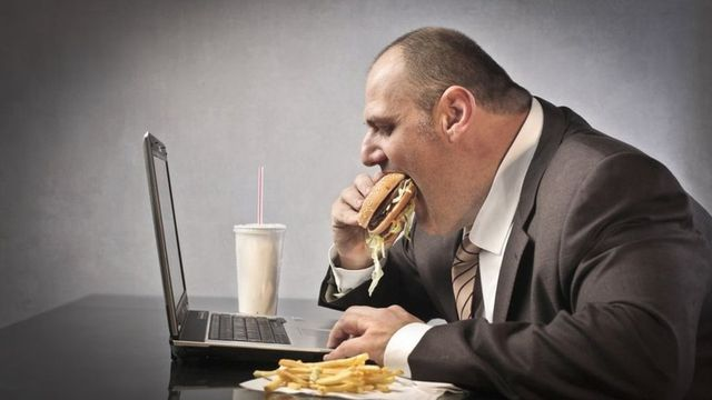 Office worker survey: Moaners and noisy eaters among top gripes featured image