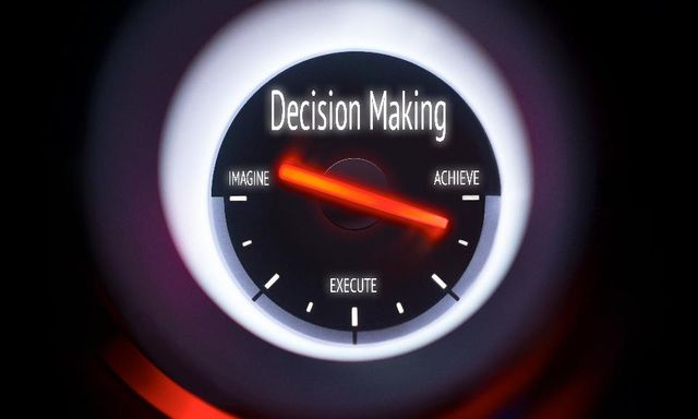 Analytics, BI and Making Decisions featured image