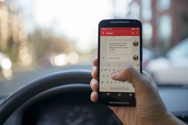 Smartphone addicts and the reversing trend of driving safety featured image