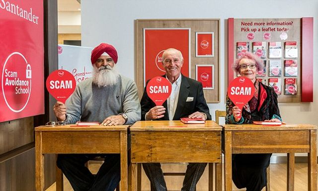 Len Goodman waves a magic '10' to scam advice featured image