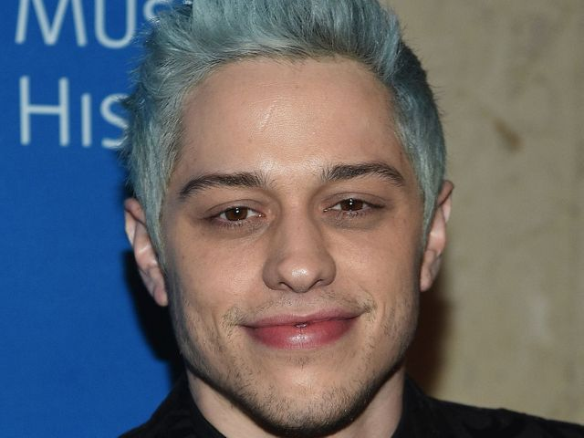 Fans claim Pete Davidson is demanding $1 million NDAs to attend his shows. featured image