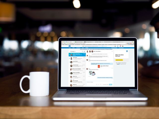 Linkedin unveils a newly improved messaging service featured image