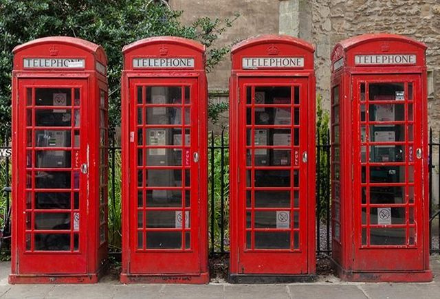 ICONIC RED PHONE BOXES ARE BECOMING A MODERN PLACE TO OFFICE featured image