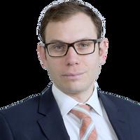 Simon Kellett, Associate, Freshfields Bruckhaus Deringer