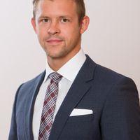 Julian Scheitel, Associate, Freshfields Bruckhaus Deringer