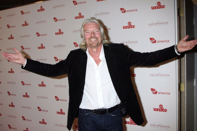 4 Ways Richard Branson Does Social Media Better Than You featured image