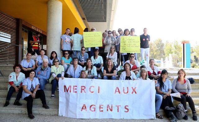 Istres : les Atsem reconduisent leur mouvement de grève featured image