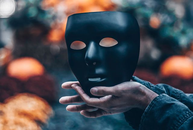 Unmask cybercriminals through identity attribution featured image