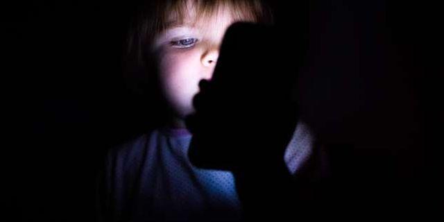 Alerte aux écrans pour les enfants featured image