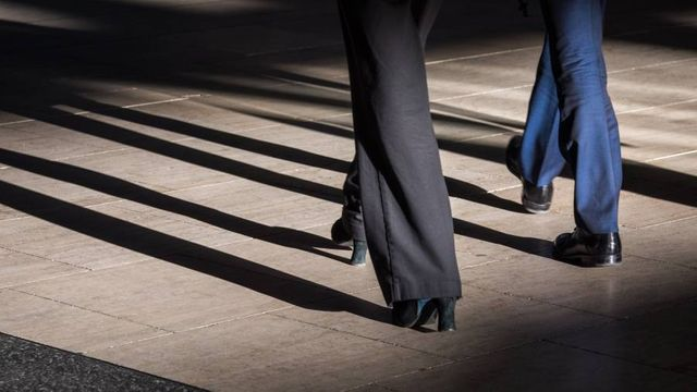 Law firms respond to pressure on gender pay gap featured image