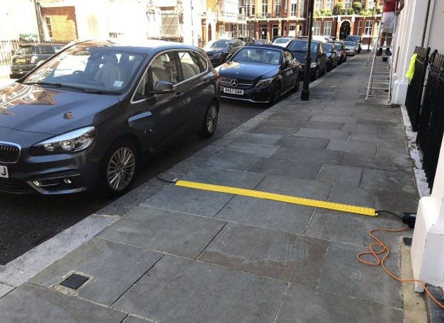 Solving the electric car on-street charging problem featured image