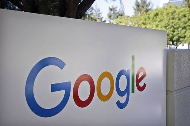 Google Bans Payday Ads, but Also Backs a Payday Lender featured image