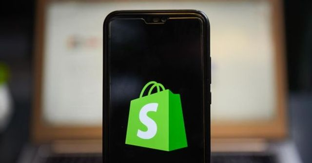 Shopify's new lending product is a $200 starter loan available to millions of online merchants featured image