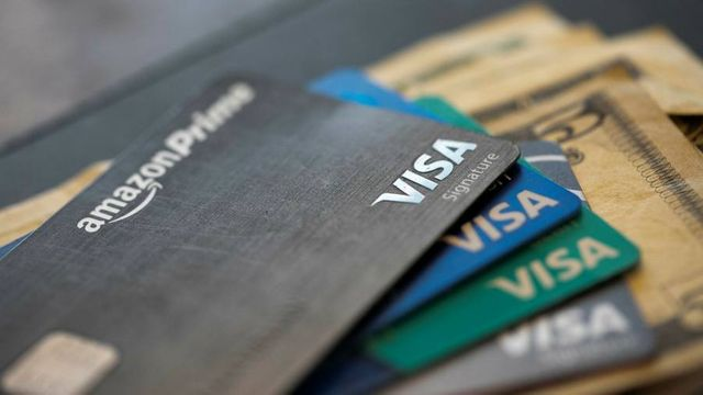 Bank credit card profits in question as US consumers pay down debt featured image