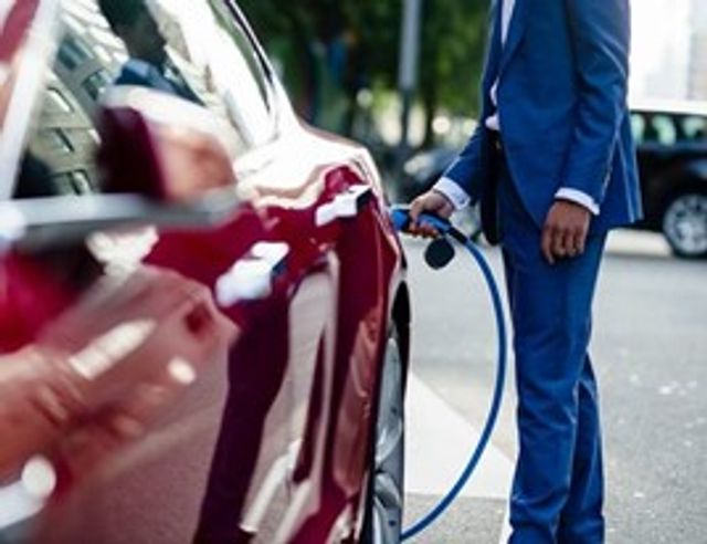 Report concludes 28,000 Electric Vehicle charge points needed in the UK over the next 10 years featured image