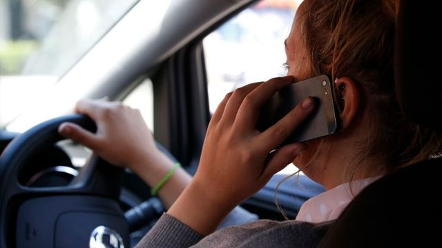 Motorists take photos and videos at the wheel, says RAC featured image
