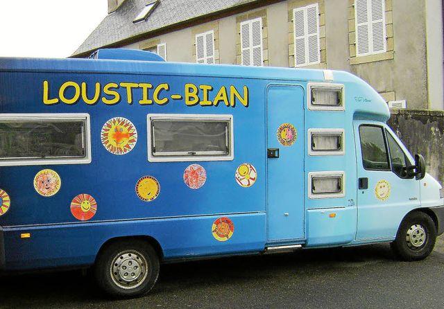 Loustic-Bian. Le samedi dans la commune featured image