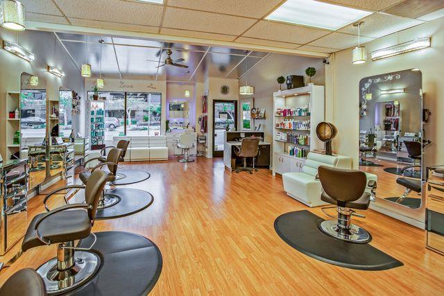 Hairdresser wins landmark employment status case featured image
