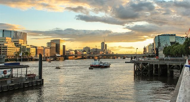 London's waterfront properties continue to command premium featured image