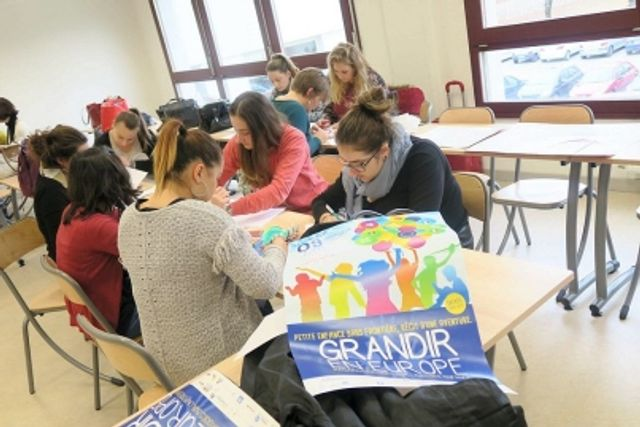 Petite enfance: comment ça se passe ailleurs, en Europe featured image