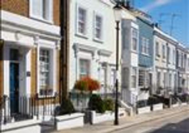Prime Central London property market steady featured image